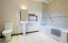 chestnut-bathroom-1