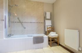 chestnut-bathroom-2