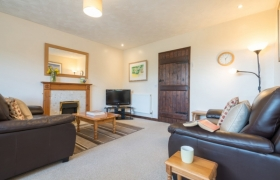 chestnut-lounge-2