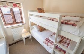 Holly bunk bedroom
