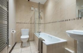 1_oak-bathroom