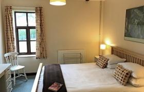 Oak king bedroom