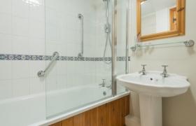 rowan-bathroom-2