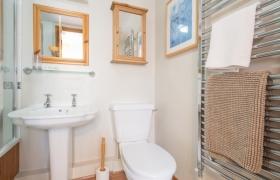 rowan-bathroom
