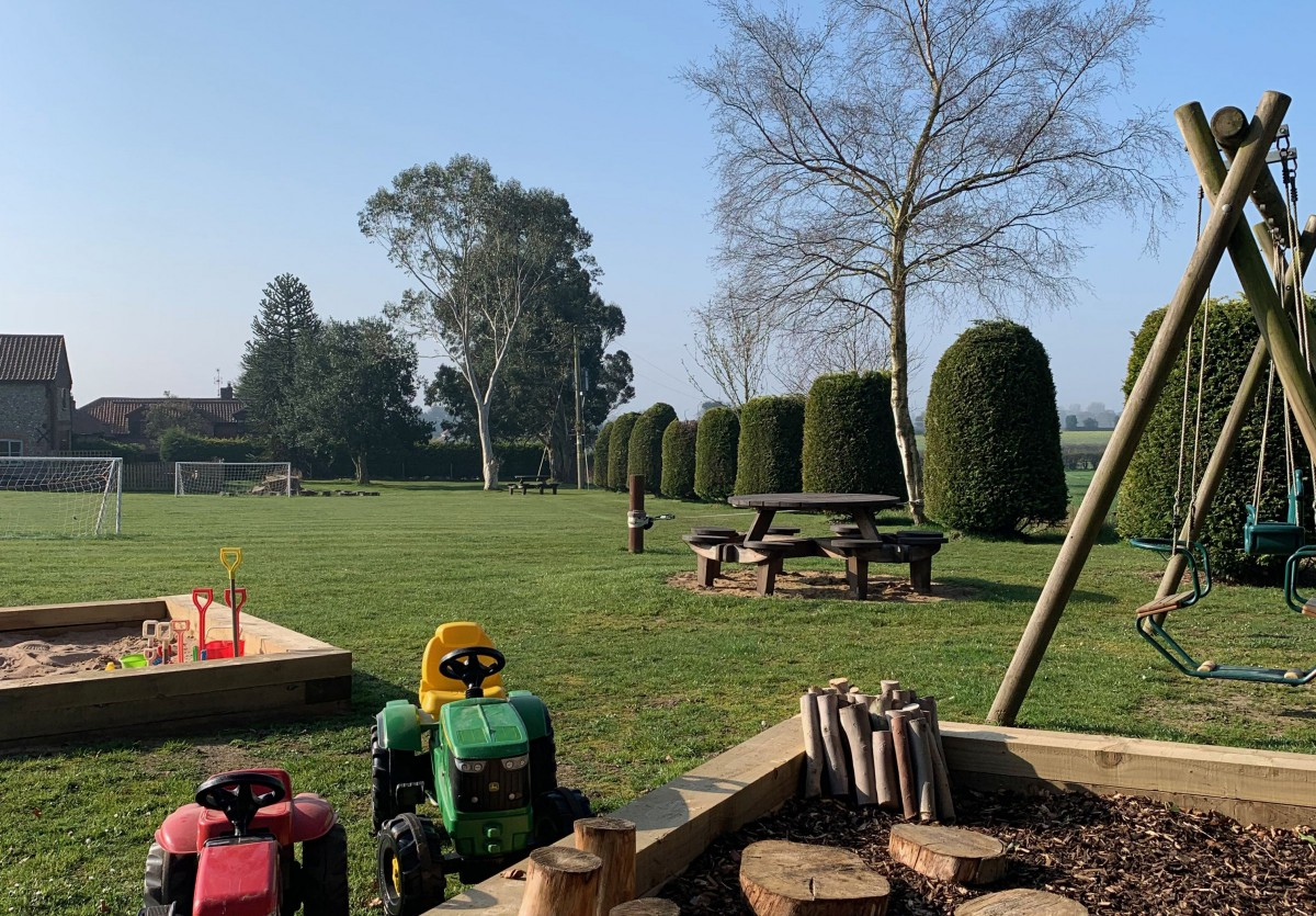 Sand pit and kids play area at Wood Farm